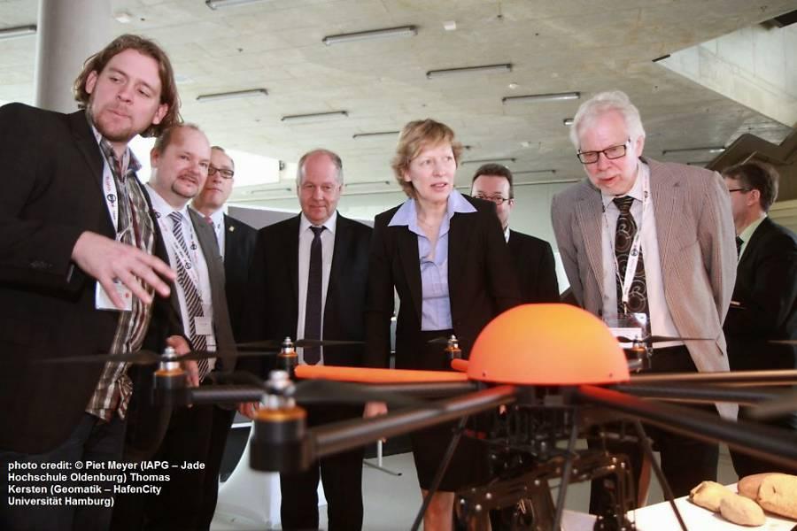 """Gemeinsam mit Distributor """"Sphere Optics"""" präsentierte Cubert seine Hyperspektralkameras vor dem Fachpublikum."""