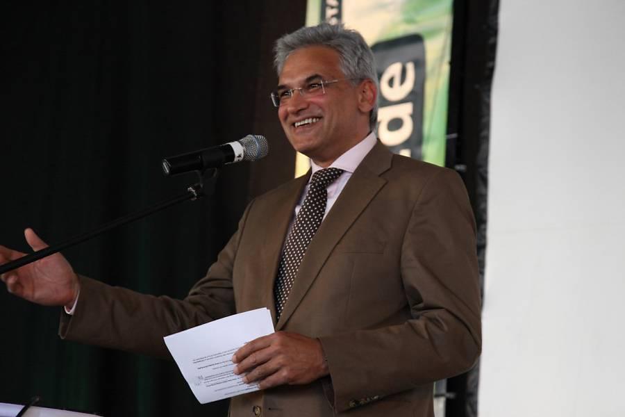 Gunter Czisch, Erster Bürgermeister der Stadt Ulm, eröffnet die nanuuu-Auftaktveranstaltung.